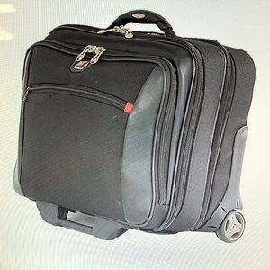 Potomac Swiss Gear by Wagner Computer Rolling Case